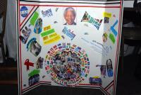 Дівчата-гайди Південної Африки підготували спеціальний подарунок до 90-річчя Нельсона Мандели та передали його Грасі Машель - третій дружині колишнього Президента ПАР