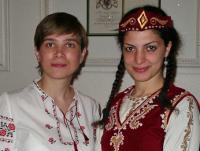 На Міжнародному вечері - Анна Притиск та Айя Закарян (Вірменія)