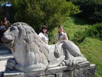 В парку Олеського замку